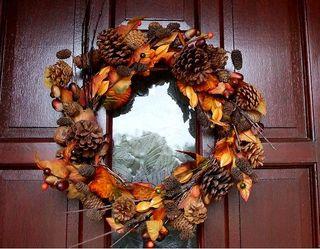 270 28 sept autumn wreath red