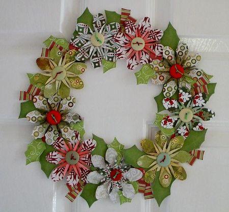339 07 dec paper wreath red