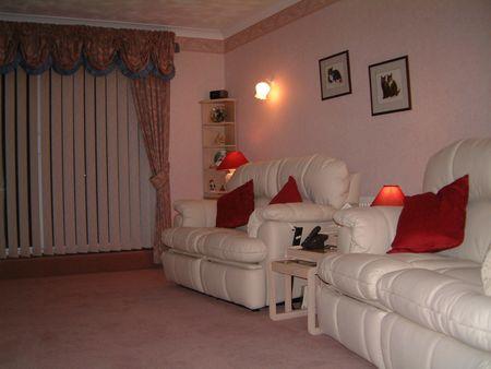 Lounge cold close 2 sofas