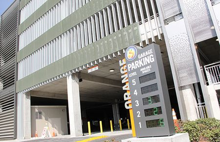 Downtown-Disney-Orange-Parking-Garage-Spaces-Sign-544x350