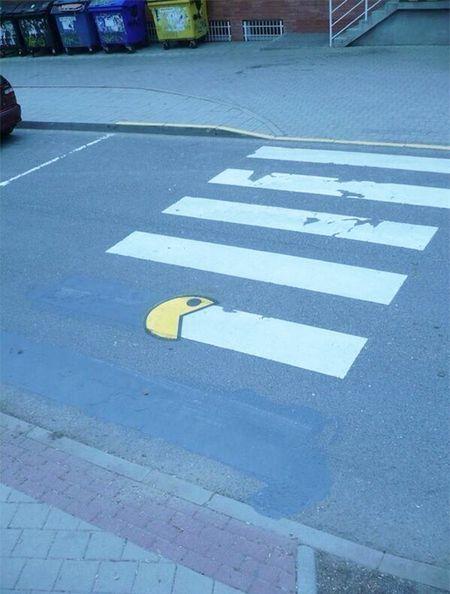 Funny-vandalism-street-art-63-5704b30f14802__605