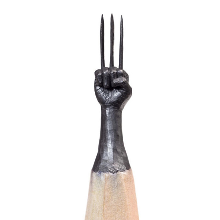 Artist-makes-tiny-and-incredible-sculptures-on-the-tip-of-pencils-5ec77640d826b__700
