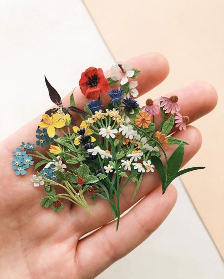 Tiny-mini-paper-flower-bouquets-tania-lissova-13-5edf6e7bb6bf7__700