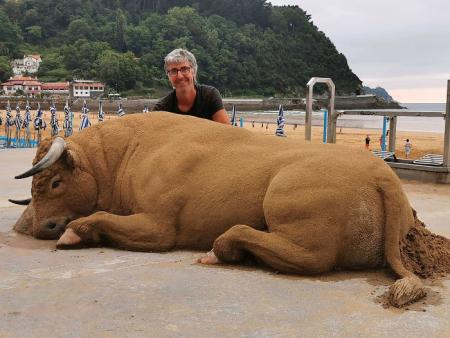 Sand-art-bull-andoni-bastarrika-1-1-5ec7871b230c0__700