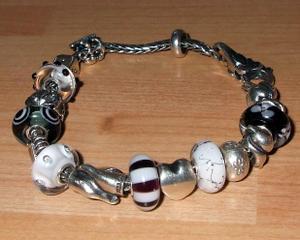 Birthday_troll_beads