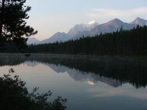 Hector_lake_red