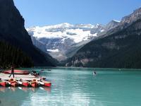 Lake_louise_boats