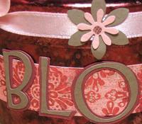 Blossom_tin_close_1