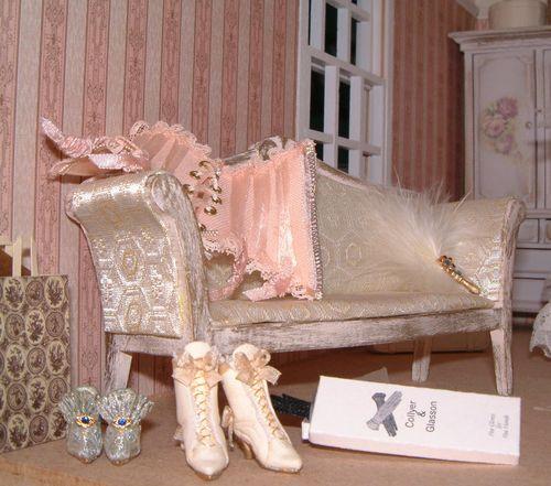 P bedroom sofa close